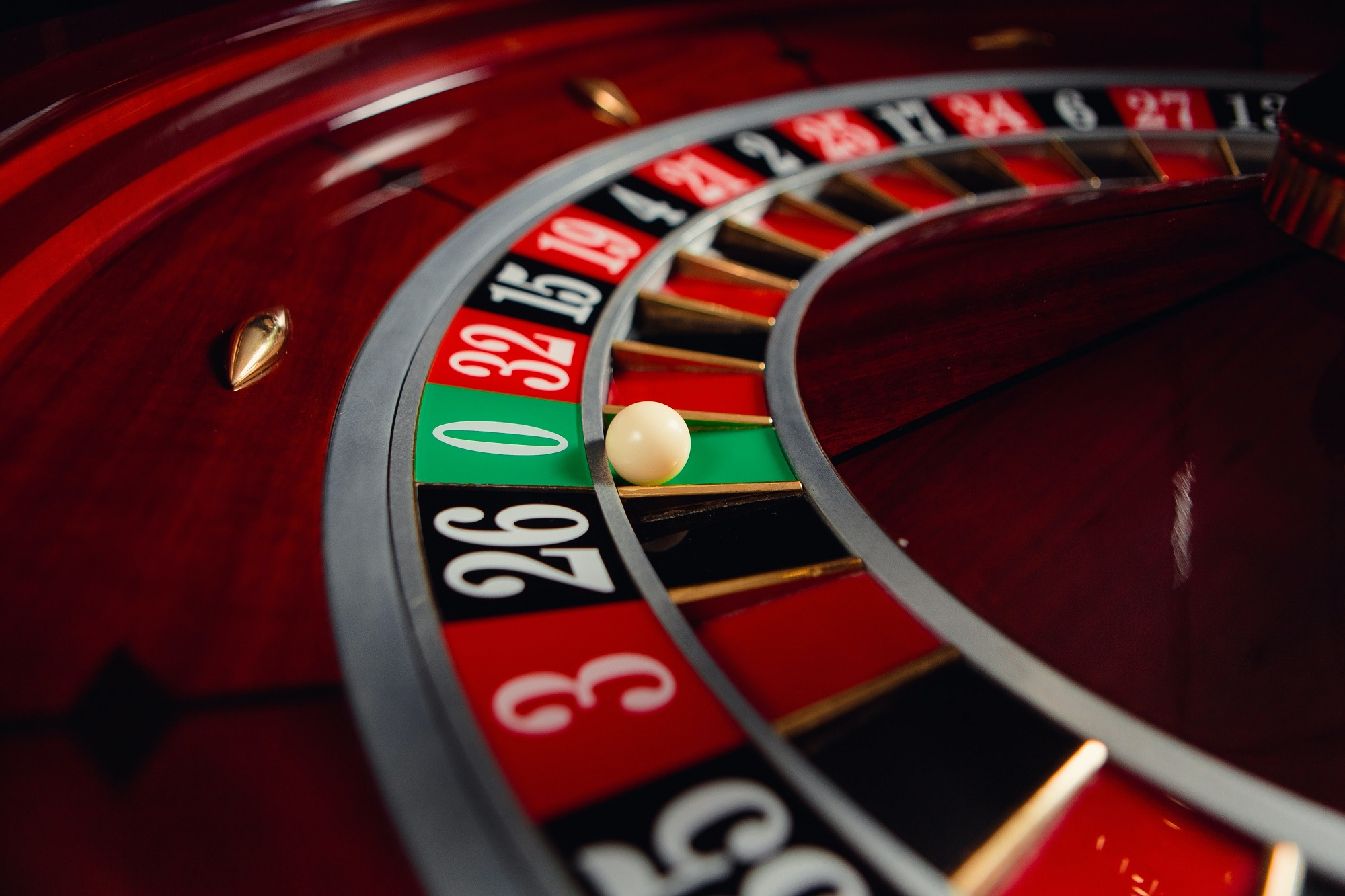 How to win playing roulette